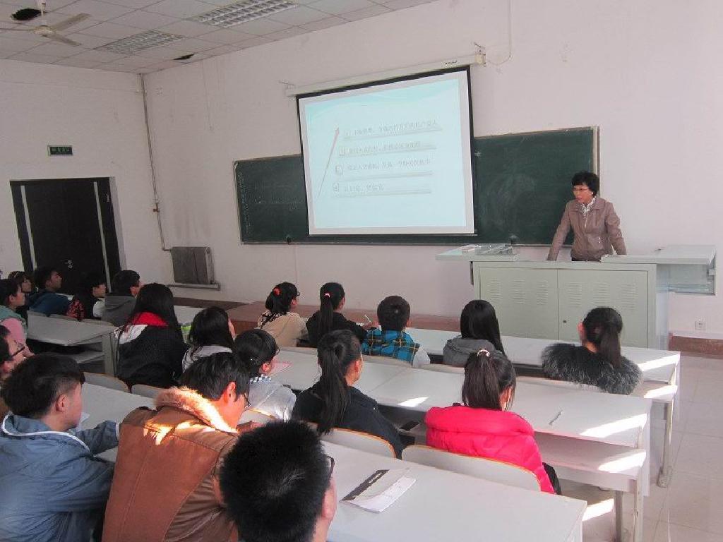 经济管理学院开展新生入党启蒙教育