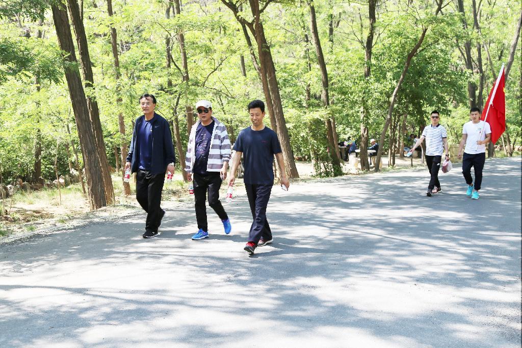 徒步健身,职院人感受行走的快乐
